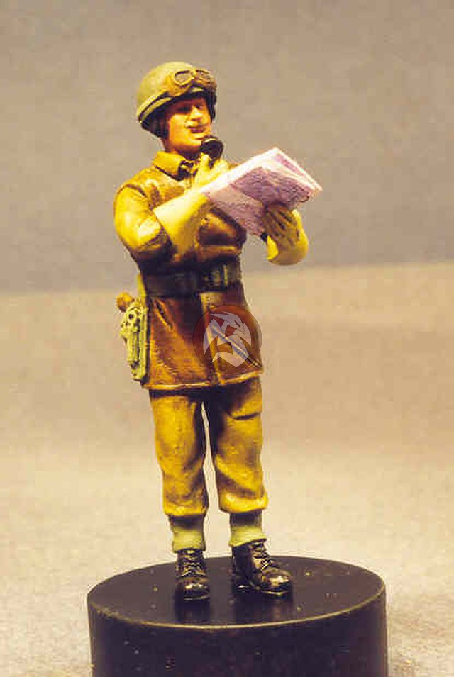 Details about Resicast 1/35 British Tank Commander Leather in Jerkin  Holding Map WWII 355567
